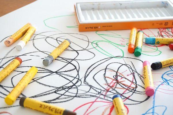 crayon-2009816_640-e1564632407639.jpg