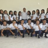 Mauren Guayara con estudiantes usuarios de Modalidad B-learning